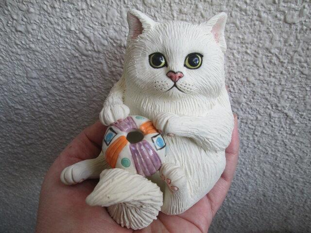 玉遊び猫(一輪挿し)の画像1枚目