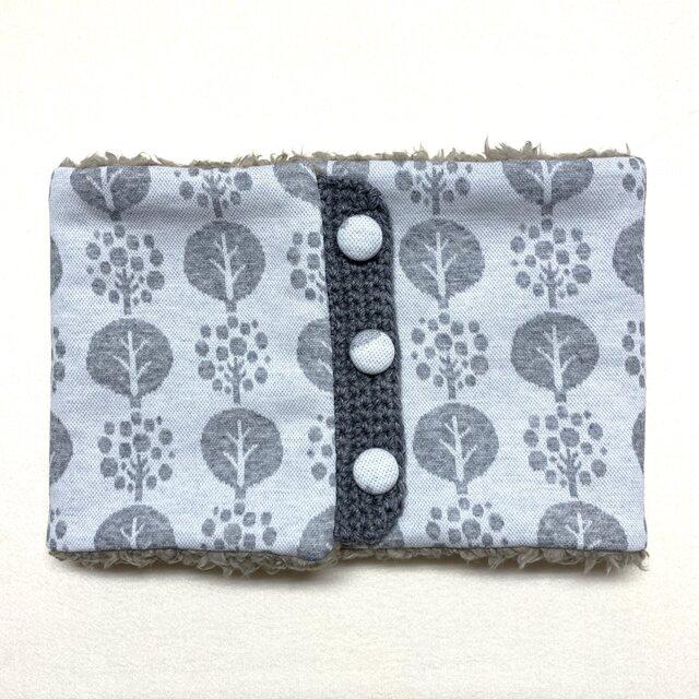 まあるい木柄(ホワイト)+ふわふわプードルファーのネックウォーマーの画像1枚目