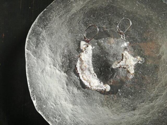 月と星のピアス(イヤリング変更可能)の画像1枚目