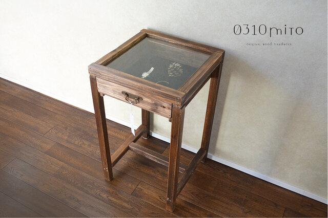 0310 ガラスのディスプレイサイドテーブル(1点限定試作品価格)の画像1枚目