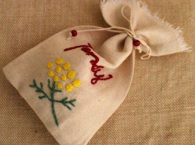 コットンにハーブ刺繍サシェ〈タンジー〉の画像1枚目