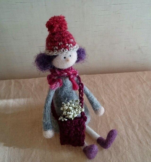 ニット帽の女の子(羊毛フェルト)の画像1枚目
