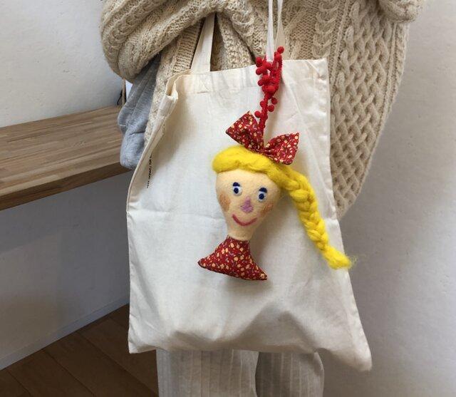女の子の人形 Eの画像1枚目
