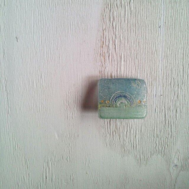 いろいろなカタチのブローチ(グレーブルーシカク)の画像1枚目