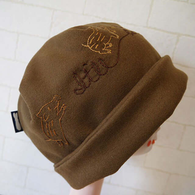 圧縮ウールニット生地で作ったニット帽(子ブタとウリ坊)の画像1枚目