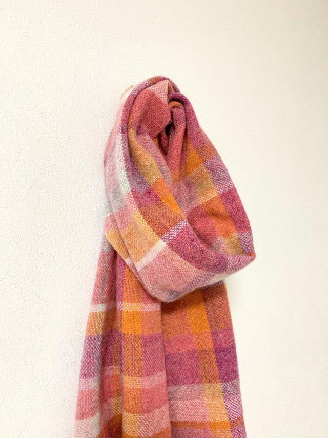 手織りのマフラー ラムウール ピンクチェックの画像1枚目