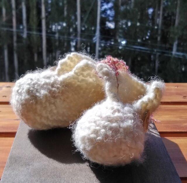 肌にやさしい手紡ぎ糸のベビーシューズの画像1枚目