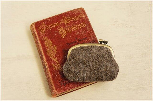 ■横ひねりのがま口コインケース / 手紡ぎ、手織りウール p■の画像1枚目