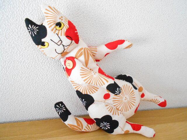 松竹梅の猫 2ひきめの画像1枚目