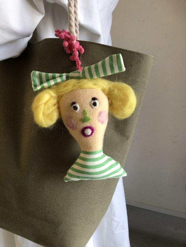 女の子の人形 Fの画像1枚目