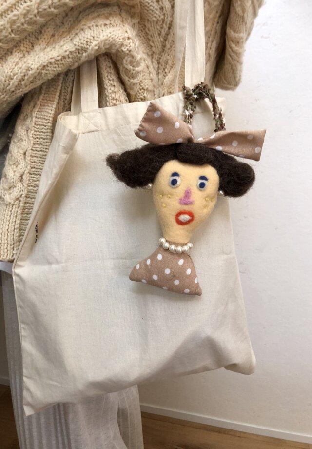 女の子の人形 Hの画像1枚目