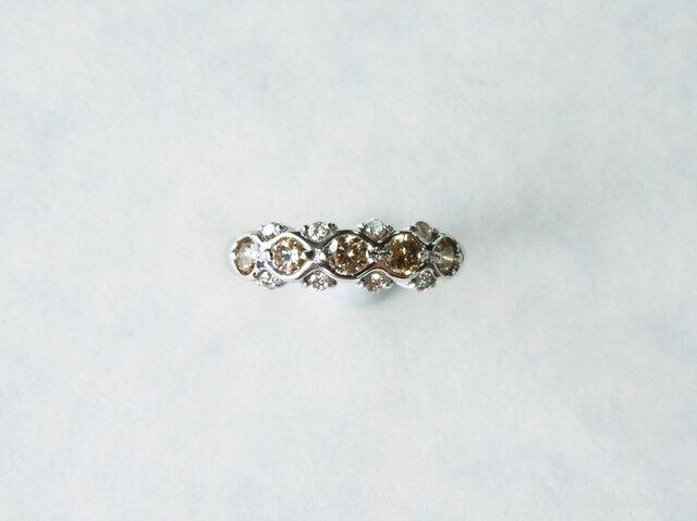 K18WG ブラウンダイヤとメレダイヤの一文字風デザインリング/12号の画像1枚目