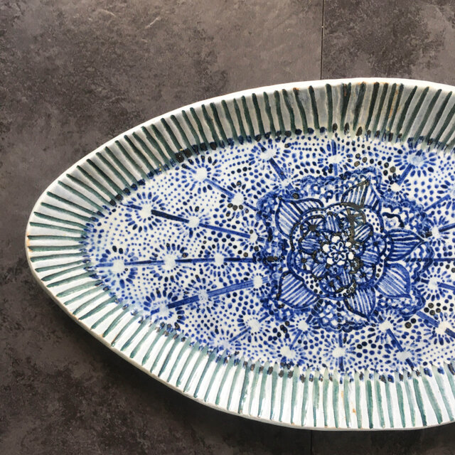 花模様オーバル皿の画像1枚目