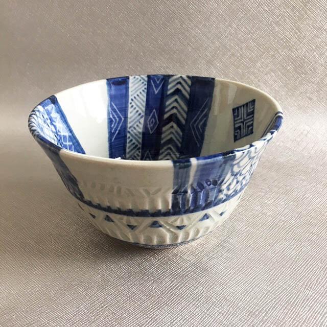 青模様の鉢の画像1枚目
