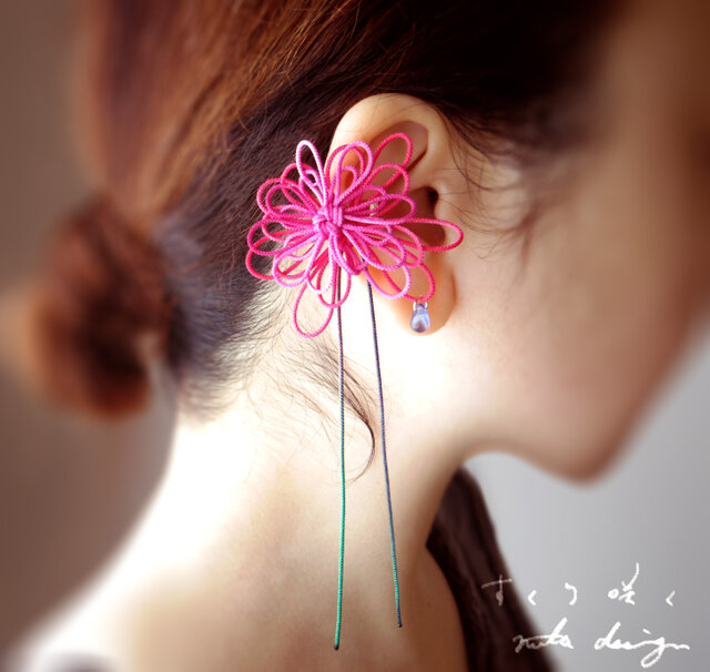 かたっぽイヤーカフ「すくり咲く」の画像1枚目