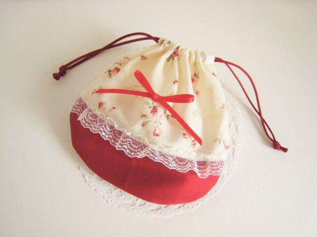 可愛いリボンとレースを付けたバラ模様のミニ巾着袋(赤)の画像1枚目