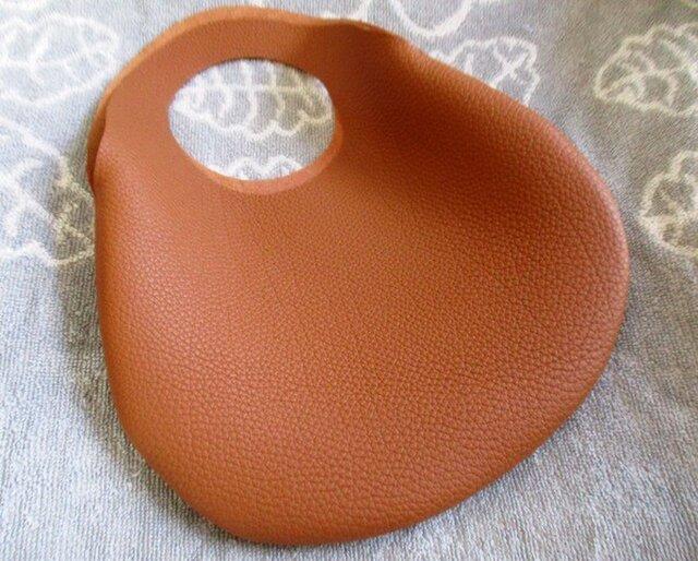 小さな革の袋・トリヨン有機デザインバッグの画像1枚目