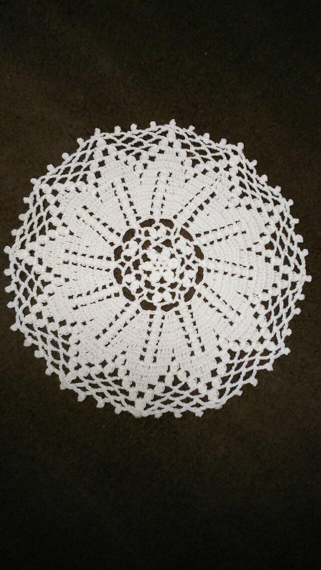手編みレースミニドイリー直径約15㎝の画像1枚目