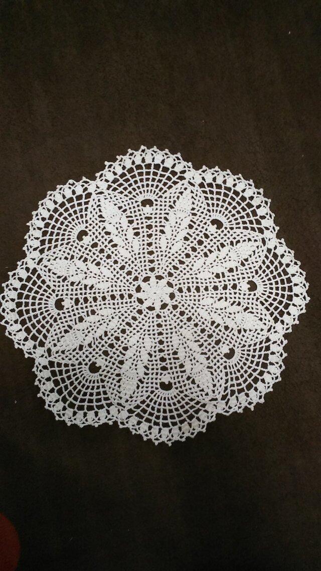 手編みレースドイリー直径約28㎝の画像1枚目