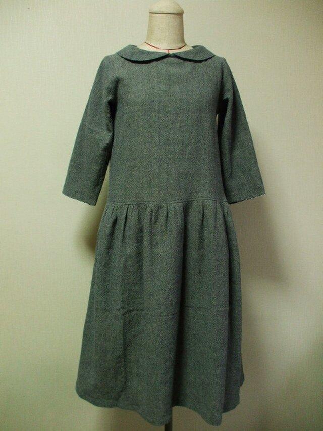 綿麻素材丸衿7分丈袖のワンピース Mサイズ 紺色 リバティタナローンヨシエ 受注生産の画像1枚目