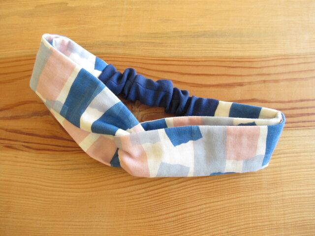 ねじりヘアバンド マスキングテープ、ブルー・ピンクの画像1枚目