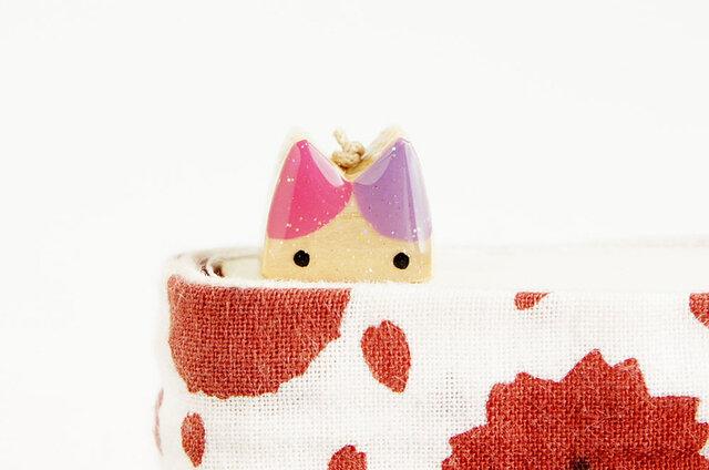 木製ネコしおり  ピンク・紫(ブックマーカー)の画像1枚目