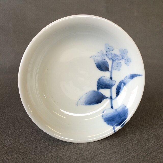 染付野の草花シリーズ 四寸皿 がくあじさいの画像1枚目
