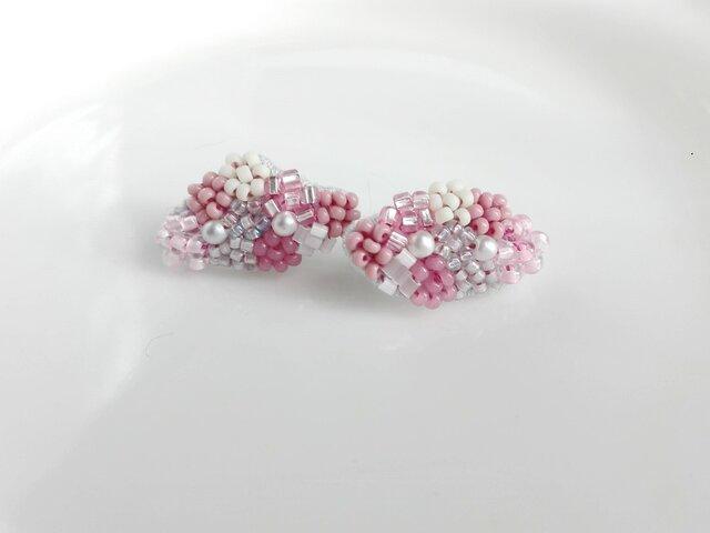刺繍ピアス 桜の画像1枚目