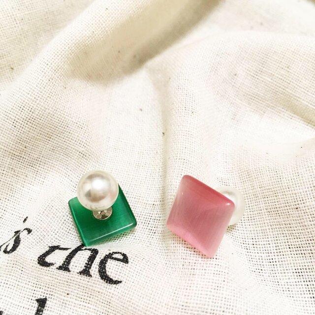 [送料無料]ぷっくりスクエア型ガラスピアス〜ピンク&グリーンの画像1枚目
