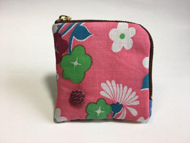 【送料無料】四角ポーチ コインケース ピンクのキュートフラワーの画像1枚目