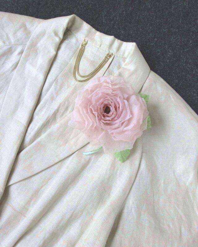 覚めたピンクの薔薇 * スイス製コットン * コサージュ 髪飾りの画像1枚目