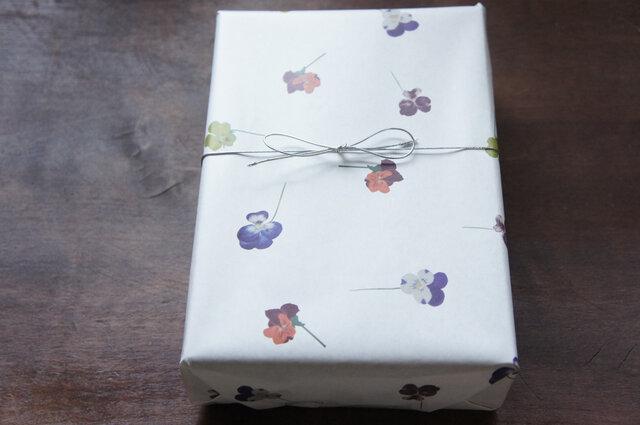 包装紙【ビオラ】の画像1枚目