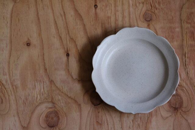 稜花大皿 白の画像1枚目