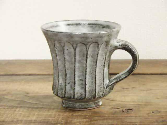 しのぎ手コーヒーカップ(わら灰)の画像1枚目