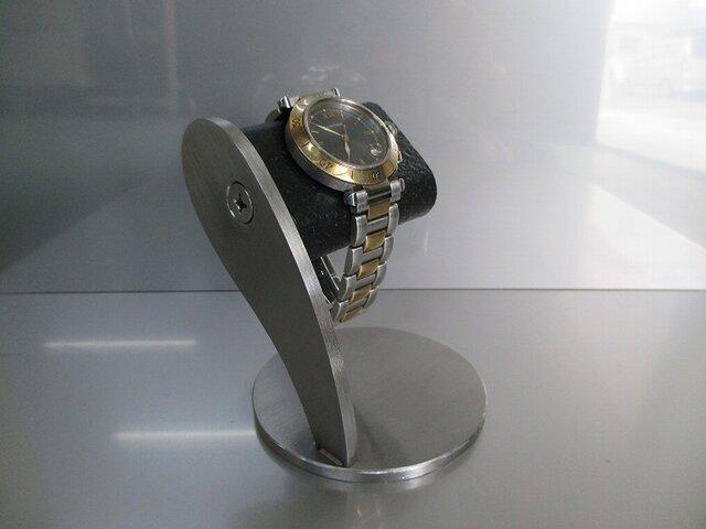 腕時計 飾る ネジでだ円パイプをお好みの角度に変えることができます だ円ブラックヘアーライン仕上げ腕時計スタンドの画像1枚目