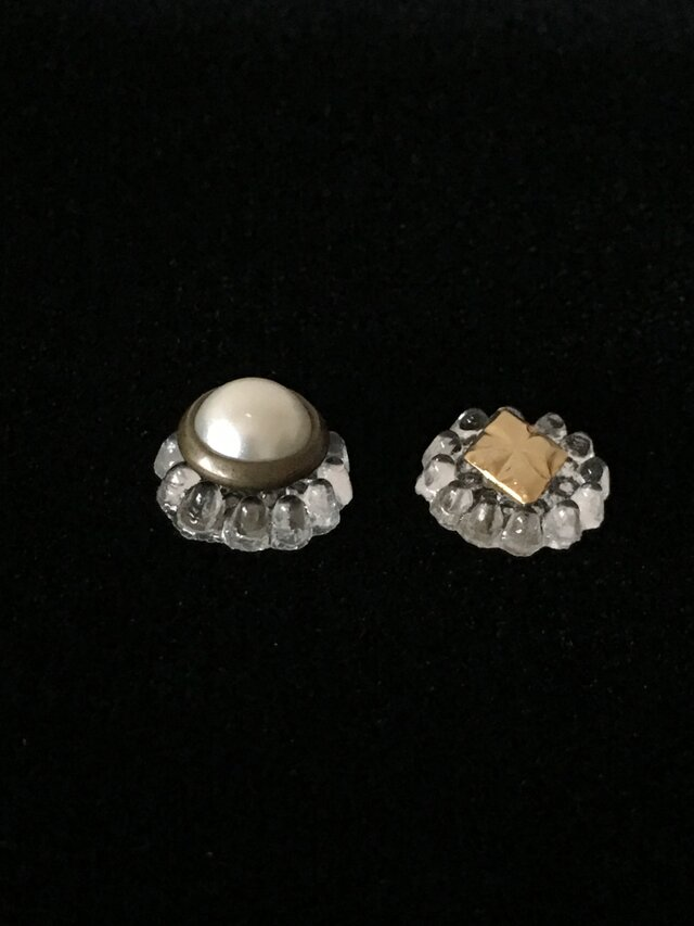 vintage button pieced earrings #01の画像1枚目