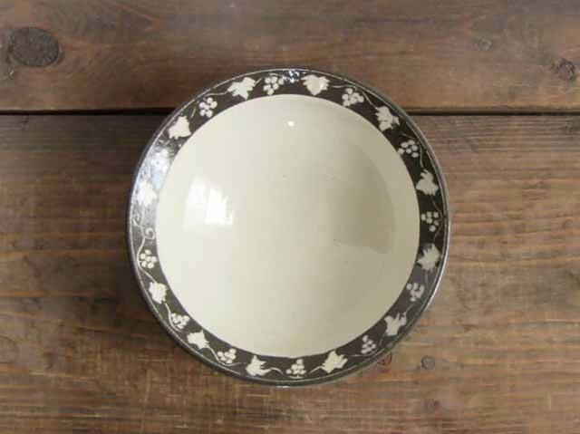 ブドウの深鉢(白象嵌)/オーダーメイド受付可の画像1枚目