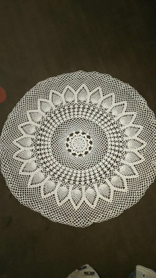 手編みレーステーブルセンター直径約50㎝の画像1枚目