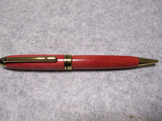 ピンクアイボリー  ガラスコート仕上げ 回転式ヨーロピアンボールペン 希少材の画像1枚目