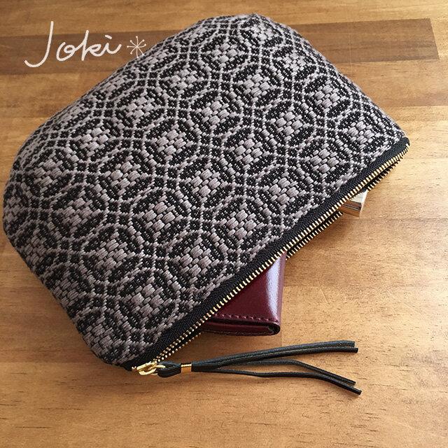 pouch[手織りポーチ] ブラック×シルバーベージュの画像1枚目