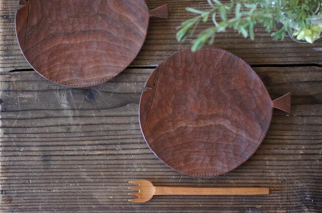 魚の木皿 170(ウォールナット)の画像1枚目