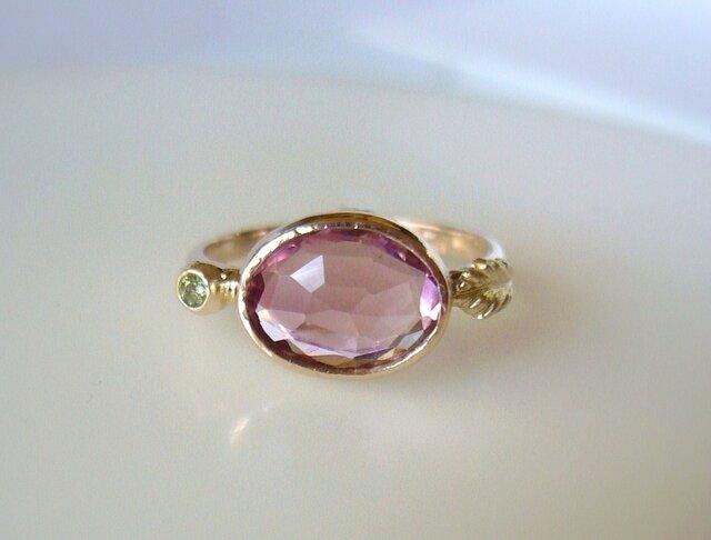 ピンクトルマリンとグリーンサファイアとリーフの指輪の画像1枚目