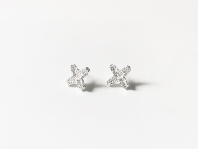 Tiny cross pierced earring silverの画像1枚目