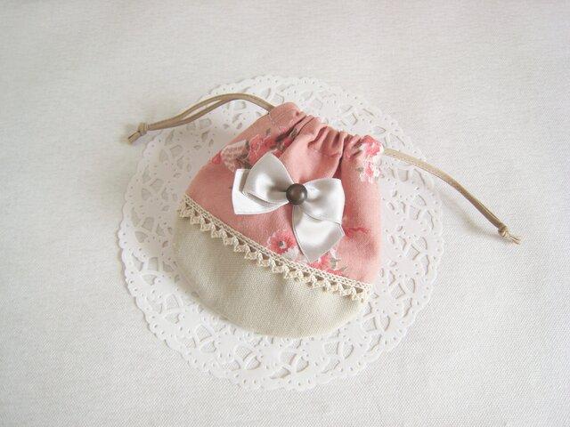 可愛いリボンを付けた花柄ミニ巾着袋(ピンク×ベージュ)の画像1枚目