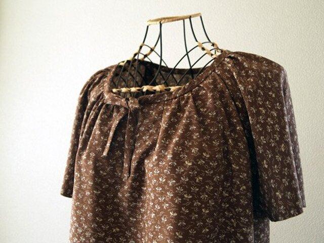 着物リメイク:茶色のちょうちょリボンワンピースの画像1枚目