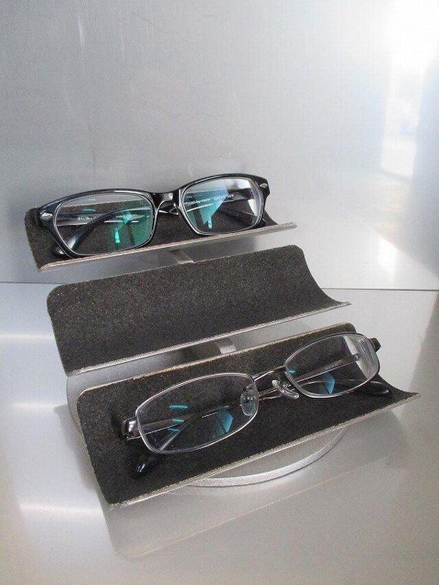 新作 トリプル眼鏡スタンド 190315の画像1枚目