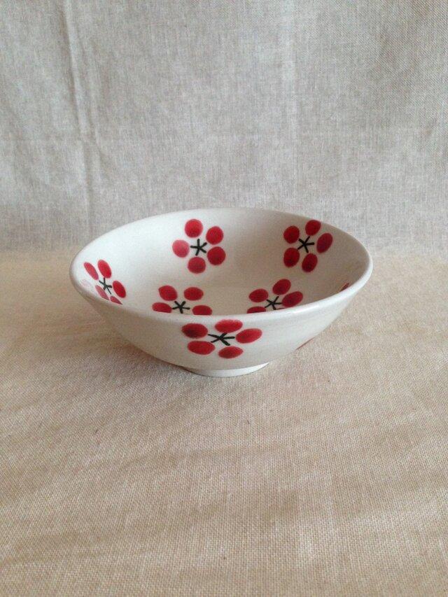 白磁茶碗(紅梅)の画像1枚目