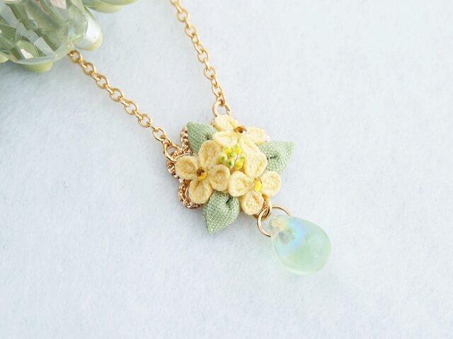 菜の花のネックレス*春の訪れ*つまみ細工*の画像1枚目
