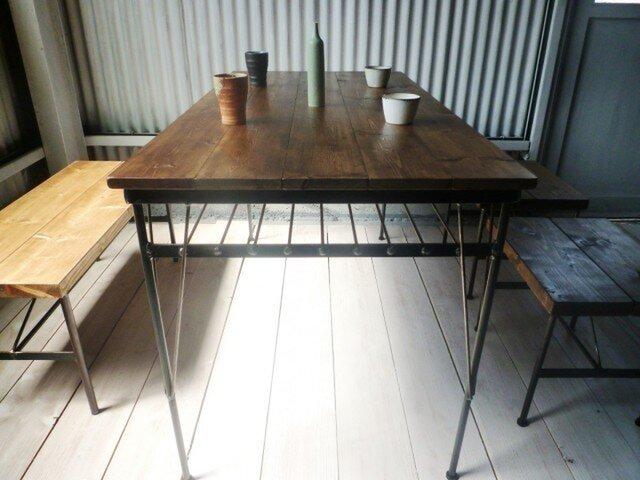 【送料無料】【組み立て不要】 アイアン ウッド ダイニングテーブル ( 収納棚 付き)の画像1枚目