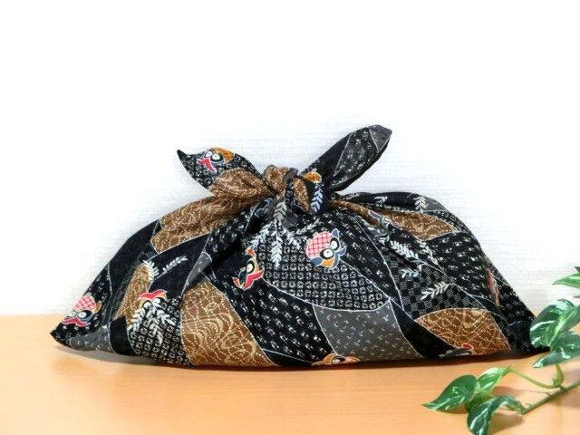あずま袋 和調 黒色彩りフクロウ模様 お弁当包み ファスナー無しのバッグインにもの画像1枚目